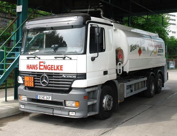 Fuhrpark_Mercedes_Benz_Tankfahzeug